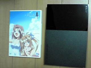 DVDより少し大きいくらいのサイズ